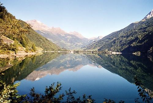 Lago_di_Poschiavo.jpg